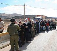 Gaza crossing line up