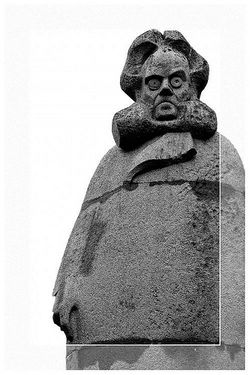 Hedda ibsen statue