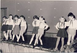 Abdc B&W kids dancing