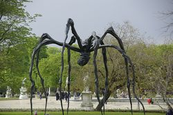 Louise Bourgeoise spider