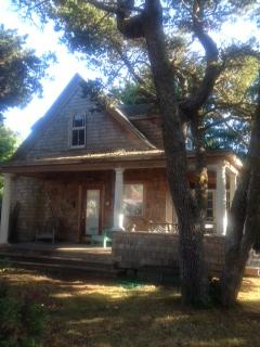 LA beach house outside