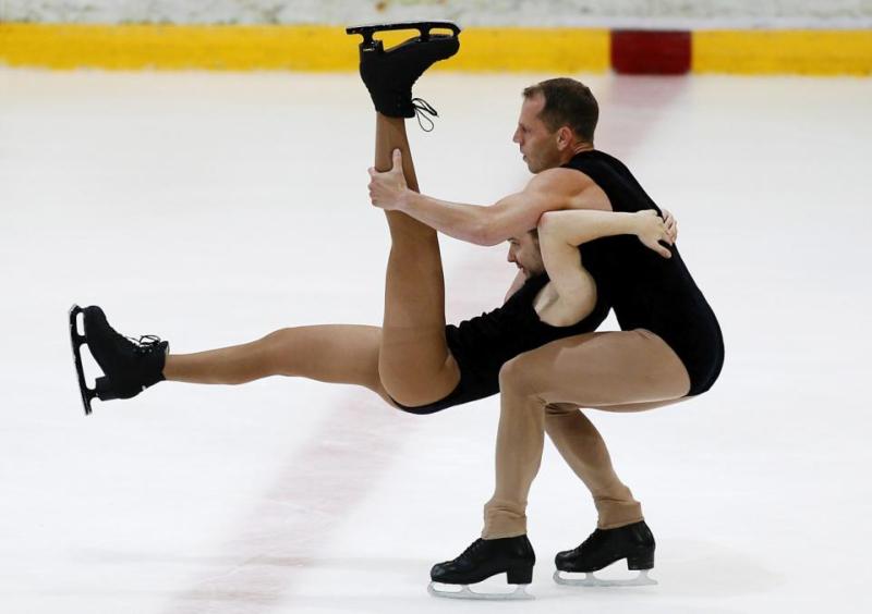 Same sex ice dancing