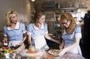 Waitress_three_women