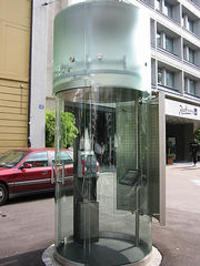 Zurich_phone_booth